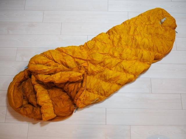 シュラフ(寝袋)