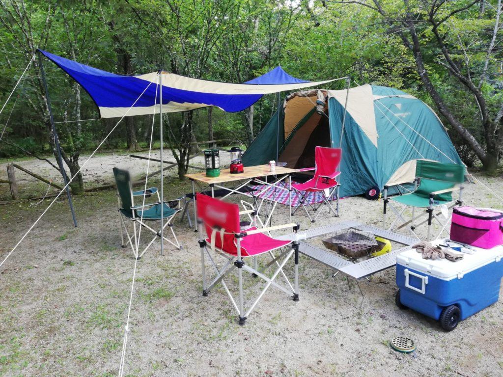 【コールマン】ウッドロールテーブルはキャンプスタイルに合わせやすいテーブル!